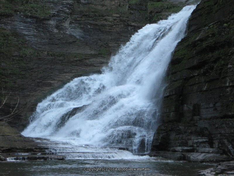 LUCIFER FALLS TOMPKINS CENTRAL NY 5-6-2012_00008.JPG
